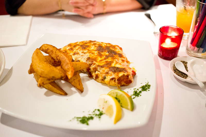 pavonia-place-darwin-restaurant-chicken-schnitzel